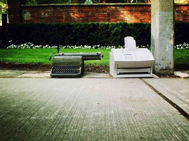 máquinas de escribir y fax
