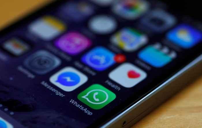 iconos de WhatsApp y Facebook messenger