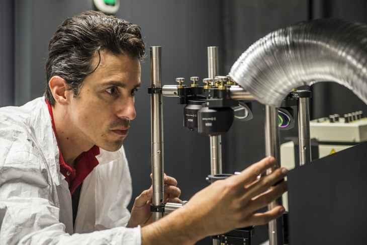 investigación de chip óptico para comunicación secreta