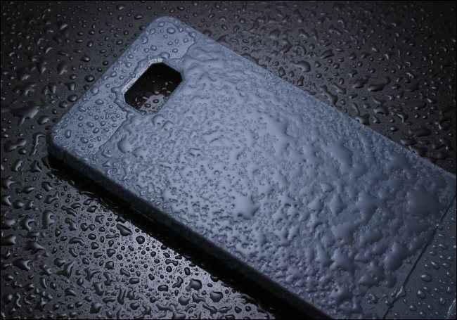 limpiar carcasa del teléfono móvil