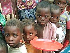 Niños hambrientos