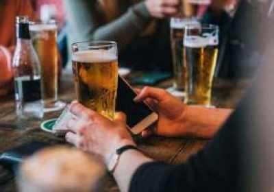 Los teléfonos inteligentes pueden saber cuándo estás borracho al analizar tu forma de andar