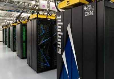 La supercomputadora más rápida del mundo identifica 77 productos químicos que podrían detener el coronavirus