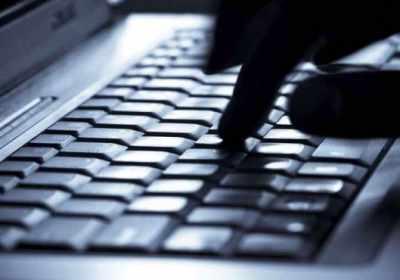 El famoso hacker Kevin Mitnick muestra cómo hacerse invisible en línea